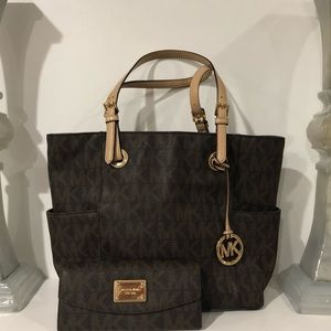 Michael Kors Jet Set Large Tote and Wallet